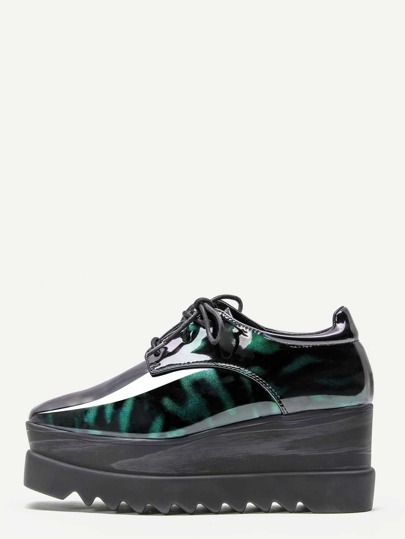 Chaussures Derby à talons compensés en cuir verni