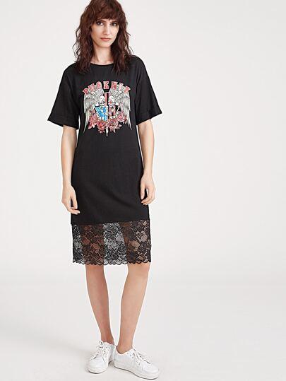 Чёрное модное платье с принтом и кружевной вставкой