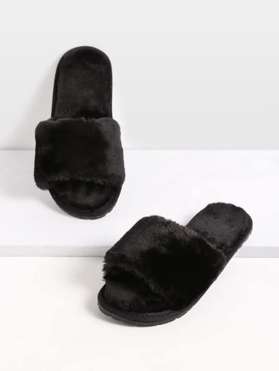 Chaussons plates en fausse fourrure - noir