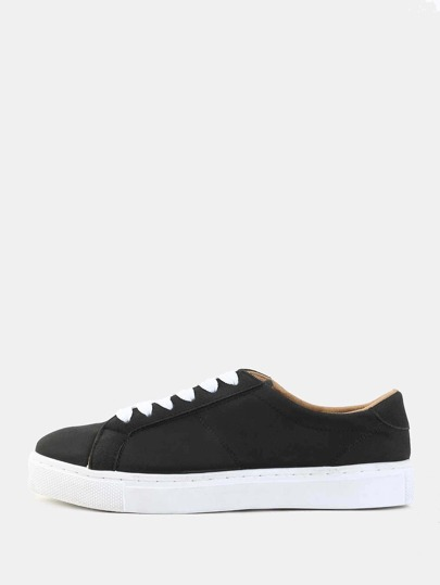 Classic Round Toe Sneakers BLACK