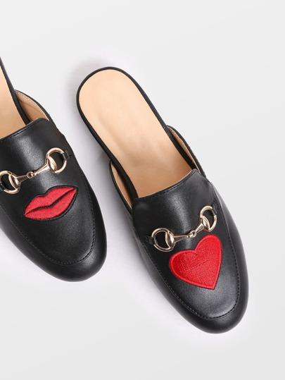 Nero Lip E Cuore ricamo Loafer pantofole