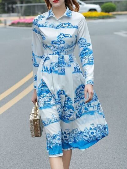 Robe A-line bleue imprimé avec relever de col