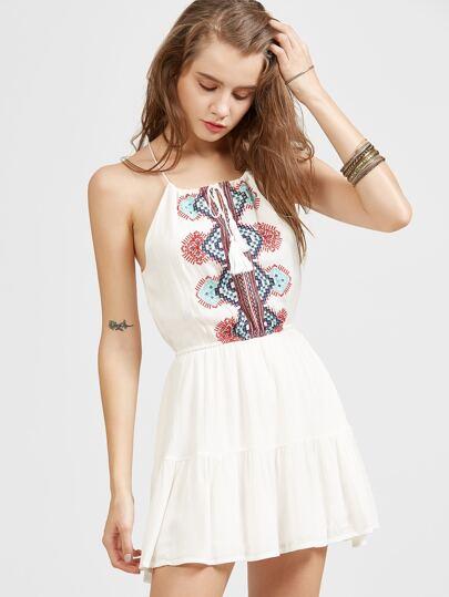 Bianco ricamato Tassel Tie Dress Ruffle Hem