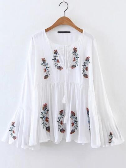 Fiore Bianco ricamo Manica a campana Tassel Tie camicetta