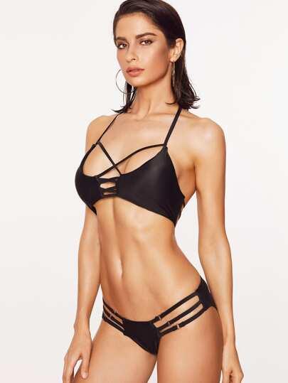 Чёрный привлекательный купальник-бикини с разрезами