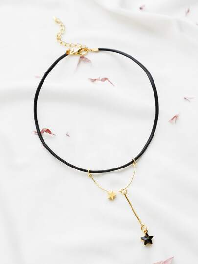 Black Star Pendant Necklace With Gold Chain