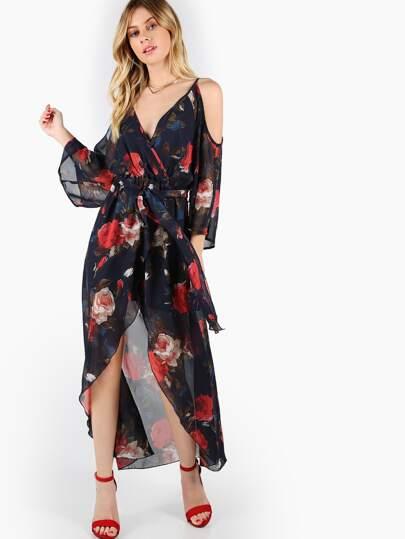 Vestido cruzado con estampado de flor con hombros descubiertos