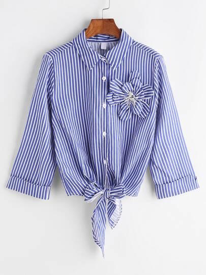 Stereo blu a strisce verticale Fiore Trim annodata Hem Camicia