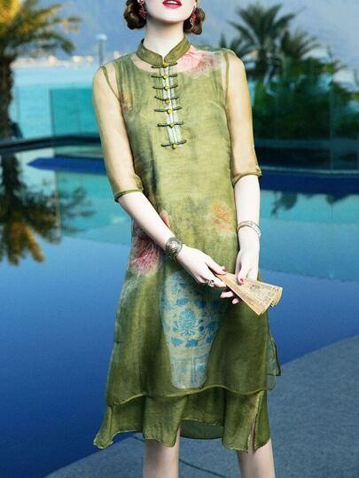 Vestido recto con estampado retro-verde