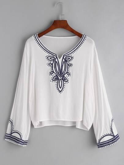 Tee-shirt brodé blanc col en V