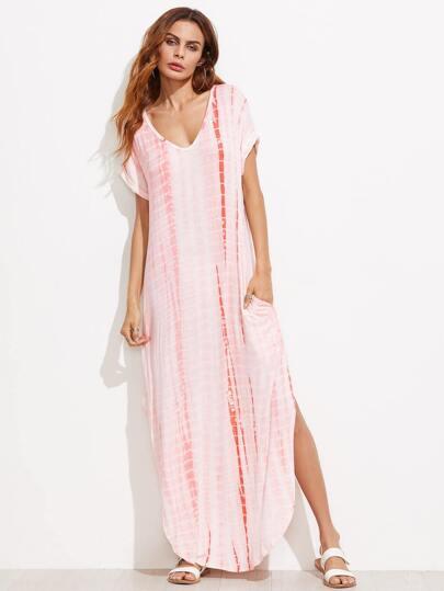 Vestido con estampado tie dye con abertura y bajo redondeado - rosa