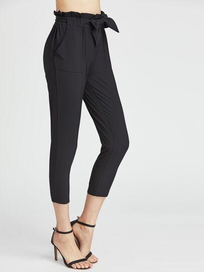 Pantaloni stile capri con volant