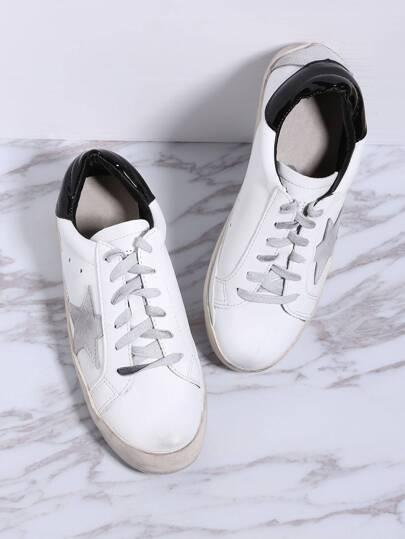 Chaussures de sport blanc bicolore à lacets