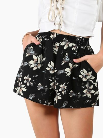 Shorts con estampado de flor con pernera ancha