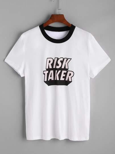 Camiseta con estampado de letras con cuello en contraste - blanco