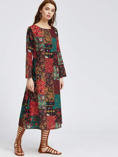Многоцветное модное платье с принтом