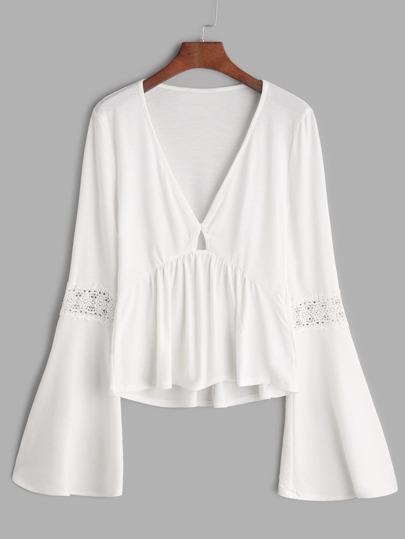 Camiseta con cuello en V de manga acampanada de croché con péplum - blanco