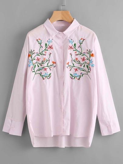 Blusa con cuello en ángulo con bordado de flor
