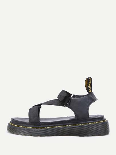 Strap Design Flatform Sandals
