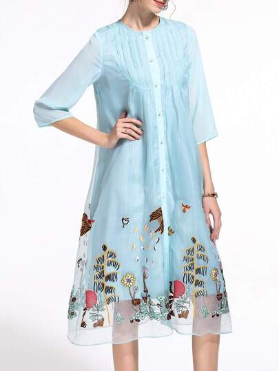 Синее модное платье с цветочной вышивкой