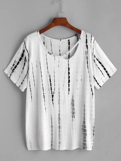 Camiseta con estampado de tie dye y con abertura