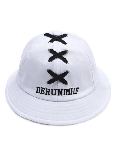 Chapeau à bordures larges à lacets blancs