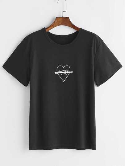 Чёрная модная футболка с принтом