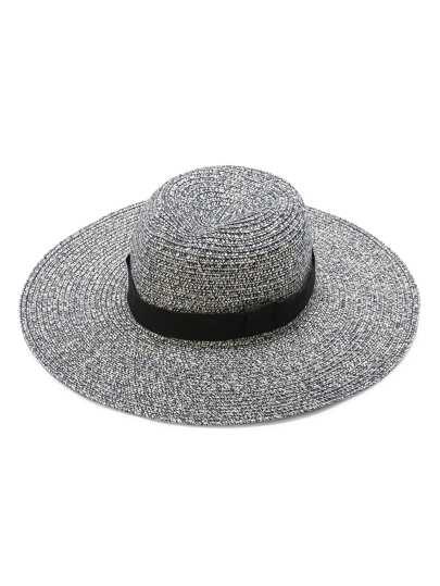 Chapeau de paille gris à larges bords