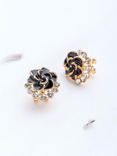 Orecchini a forma di fiore nero