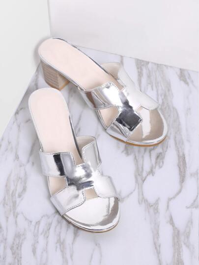 Sandalias de tacón grueso con detalle de abertura - plateado
