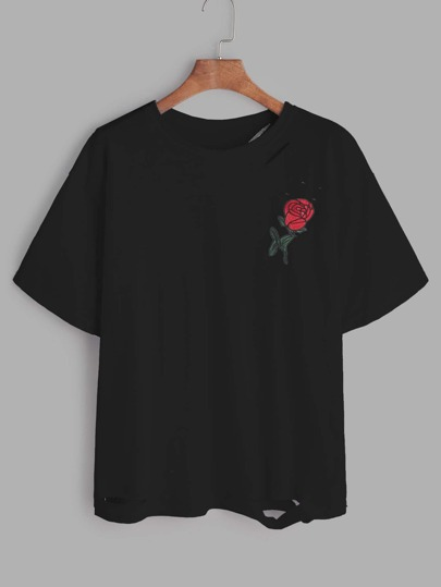 Camiseta con bordado de rosa con rotura - negro