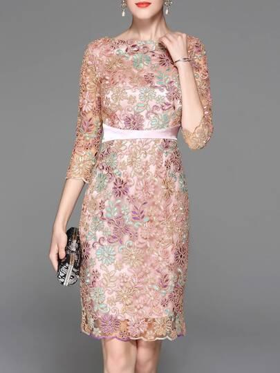 Vestido con tul ajustado bordado de flores-rosa