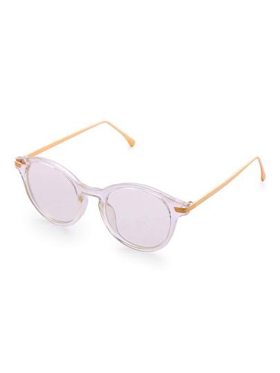 Gafas de sol con marco blanco y lentes transparente