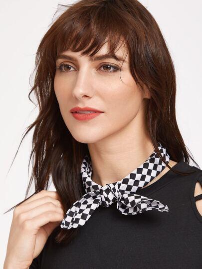 Écharpe en damier noir et blanc