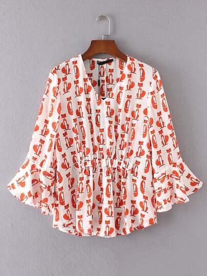 Bluse  mit Glockärmeln, Raffung und V-ausschnitt