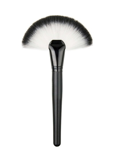 Fan Shaped Delicate Makeup Brush
