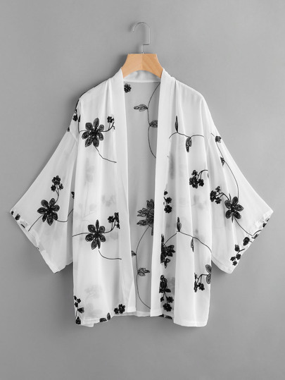 Kimono con ricamo floreale e luna