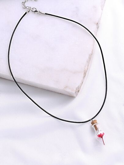 Contrast Flower Pendant Necklace