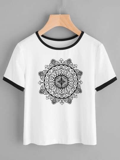 Camiseta con estampado de mandala