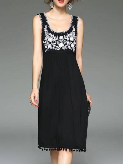 Black U Neck Flowers Embroidered Fringe Dress
