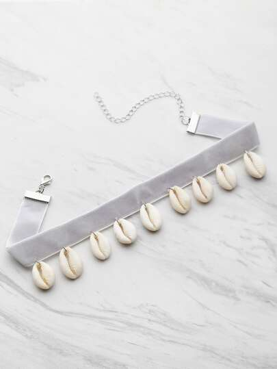 Collier en velours coquille embellie