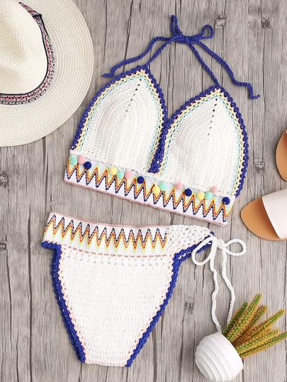 Bikini con estampado de chevron ribete de pompones cuello halter de croché - blanco