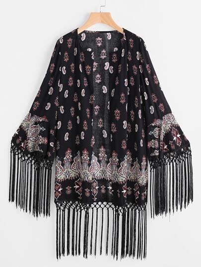Nero kimono moda con frangia e grafiche stampe