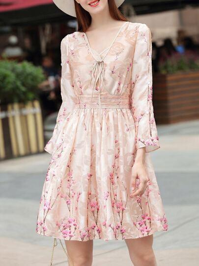 Vestido con estampado floral de cuello con cordón de hombros descubiertos