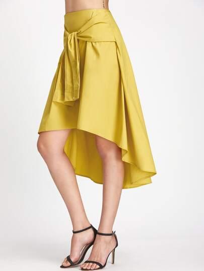 Falda asimétrica con cintura alta