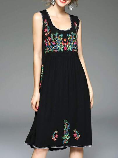 Black U Neck Flowers Embroidered Dress