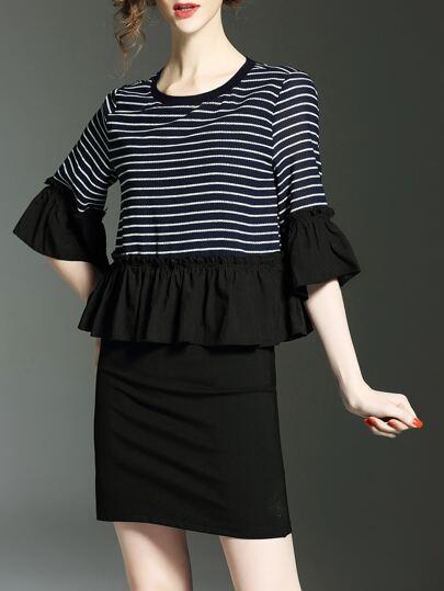Anliegendes Kleid mit Farbblock Streifen und Glockeärmeln