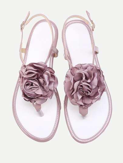Sandales fleurs embellies