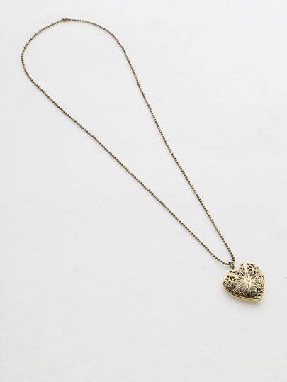 Hollow Out Heart Luminous Pendant Necklace