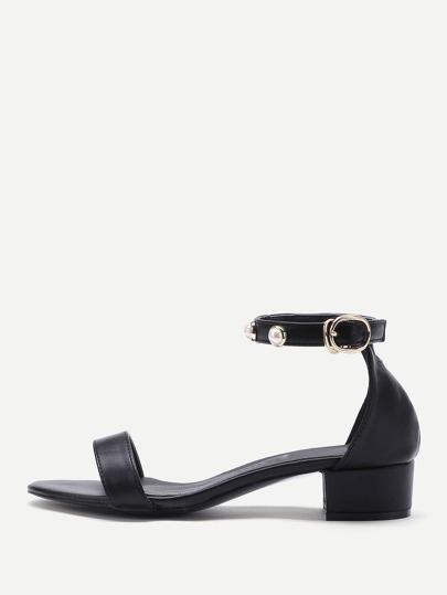 Sandales avec des perles artificielles en PU